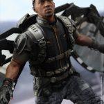 Hot_Toys_-_Captain_America_-_The_Winter_Soldier_-_Falcon_Collectible_Figure_PR3