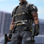 Hot_Toys_-_Captain_America_-_The_Winter_Soldier_-_Falcon_Collectible_Figure_PR9