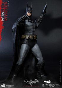 wpid-hot_toys_-_batman_-_arkham_city_-_batman_collectible_figure_pr2.jpg
