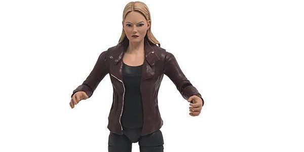 Once Upon A Time Emma Swan 6″ Scale Action Figure – Available December 2016 Measuring approximately 6 inches tall and fully articulated, Emmacomes with the Emma Swan Dark One Dagger, […]