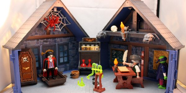 Playmobil introduces a great set that you can bring anywhere Playmobil is getting innovative with their playsets. Their latest one is a haunted house that you can take along with […]