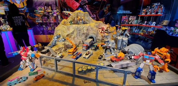 Hasbro brings a toy explosion! Here's the problem with trying to write about Hasbro: They bring so much cool stuff, I don't even know where to start! You walk into […]
