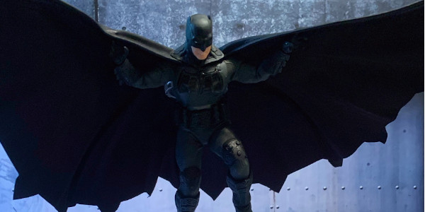 """I'm The Damn Batman"" The Back Story: This is Mezco's Vision of Batman in the twilight years of his crime-fighting days. An older wiser Batman must now use his cunning […]"