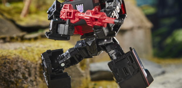 Hasbro just revealed a bunch of brand-new TRANSFORMERS figures during a Pulse Fan First Friday livestream this morning! Figures including Studio Series Jazz, Kup, Blurr, Hot Rod, Scourge, Grimlock, and […]
