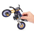 Spin Master Corp.(TSX: TOY)(www.spinmaster.com), a leading global children's entertainment company, reveals a new line of Supercross™ toys commencing a multi-year licensing agreement with Feld Entertainment, Inc.