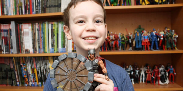 Sean is checking out the Mighty Thor action figure from Diamond Select! Does he bring the thunder? Click on the picture to check out the review!