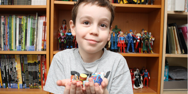 Wacky Packages, the stickers series, is now a 3D mini toy! Let's see what Sean thinks about these! Click on the picture to check out the review!
