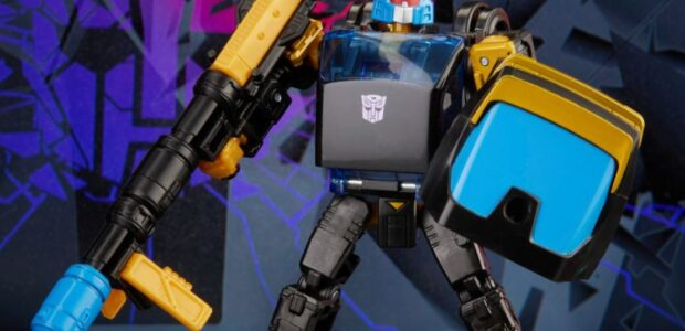 Another TRANSFORMERS Tuesday! Today, Hasbro on socials HERE announced an all new TRANSFORMERS figure – Shattered Glass Deluxe Class Autobot Goldbug – available for pre-order exclusively on HasbroPulse.com now! Transformers: […]