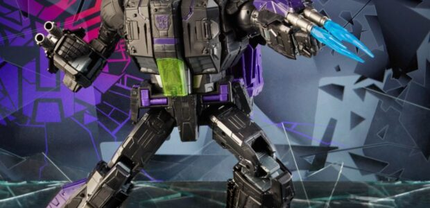 Another TRANSFORMERS Tuesday! Today, Hasbro on socials HERE announced an all new TRANSFORMERS figure – Shattered Glass Commander Class Jetfire – available for pre-order exclusively on HasbroPulse.com now! Transformers: Generations […]