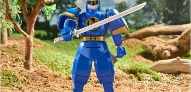 Hasbro revealed a Walmart Collector Con exclusive, adding another entry to the retro line – the Power Rangers Mighty Morphin Retro-Morphin Ninjor Fliphead Action Figure! Pre-orders are LIVE! POWER RANGERS […]