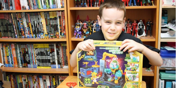Sean enjoyed the Treasure X Monster figure that he decided to go big with the Treasure x Mega Monster Hit that video and enjoy the fun